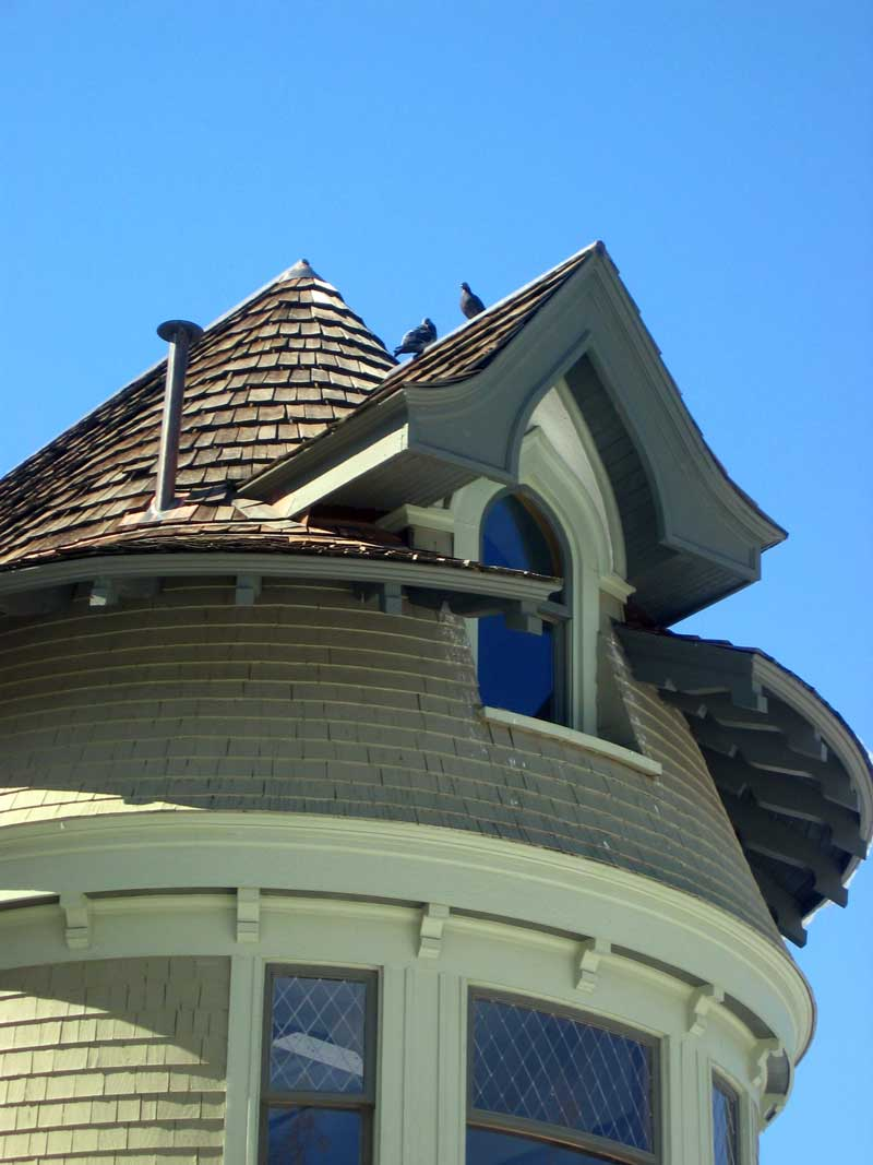 Story Mansion, roof detail